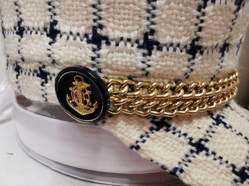 Bouton casquette 1